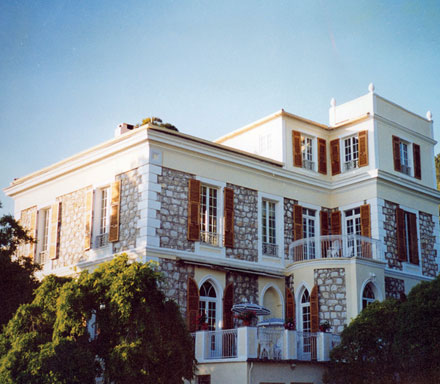 1999 Latzke acquired the Villa Paradou over Nice, built by Carles Garnier, which had stood empty for long time