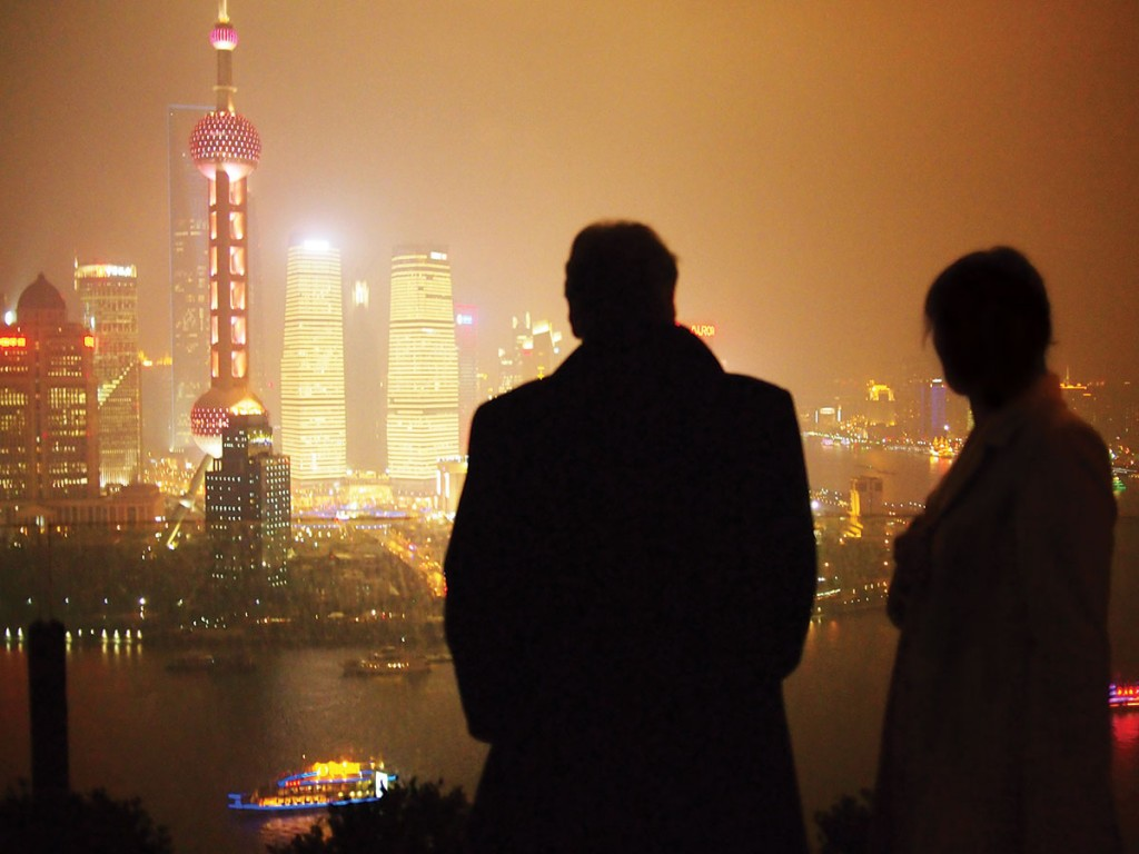 Rainer Maria Latzke with his wife Doris at the Bund in Shanghai